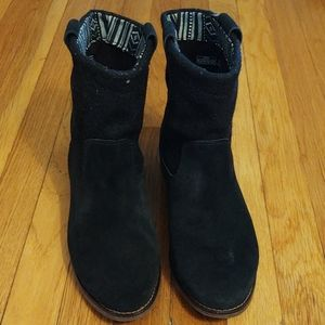 Tom's black suede booties size 7.5